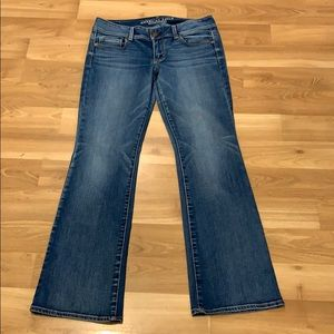 AE American Eagles kick boot jeans size 10